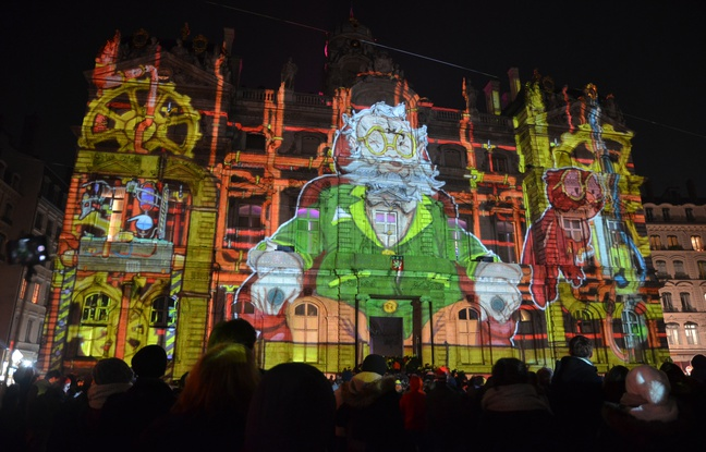 648x415_spectacle-place-terreaux-lors-fete-lumieres-2016-lyon
