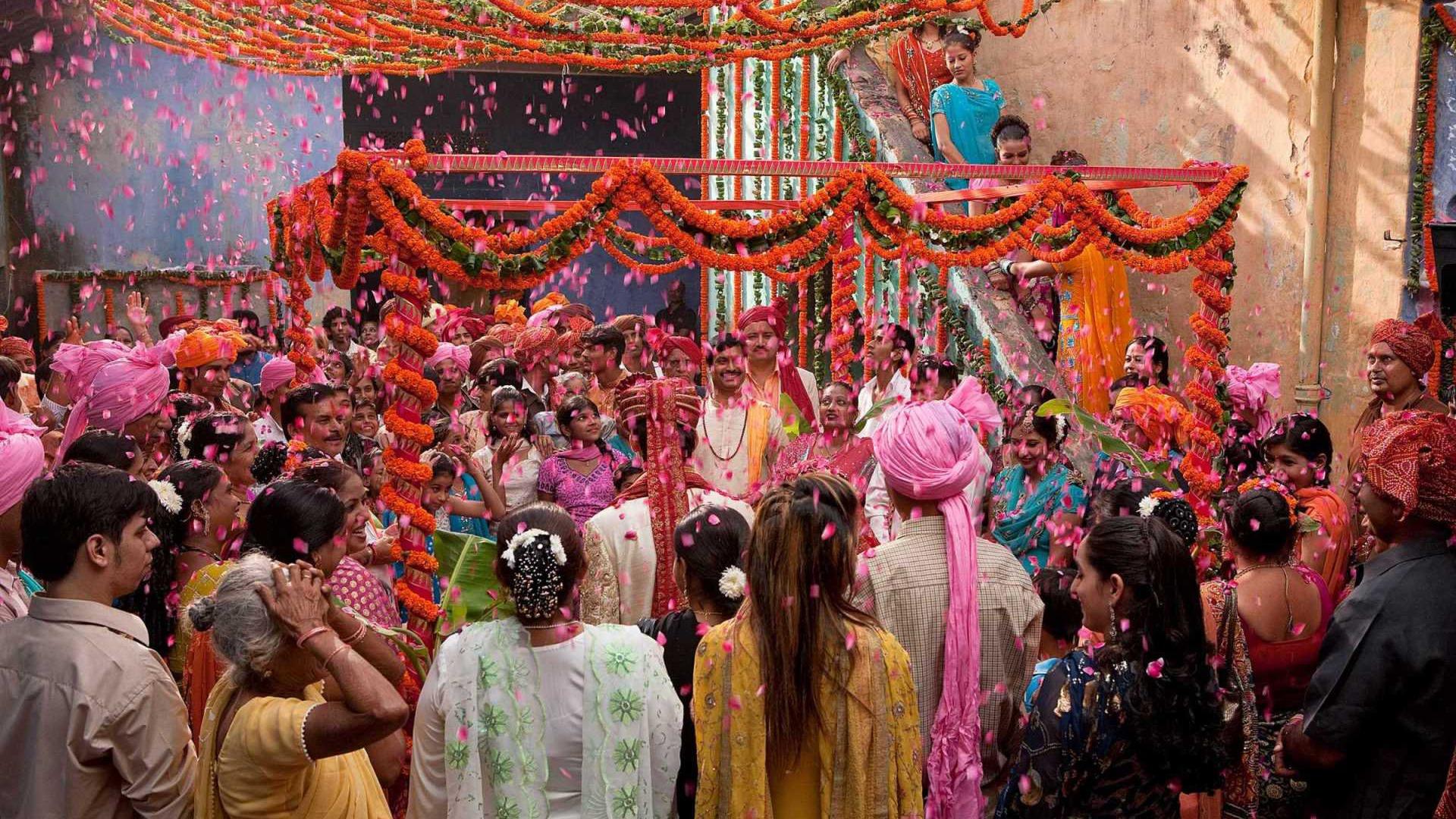 eat-pray-love-2010-indian-wedding-1920x1080-wide-wallpapers-net