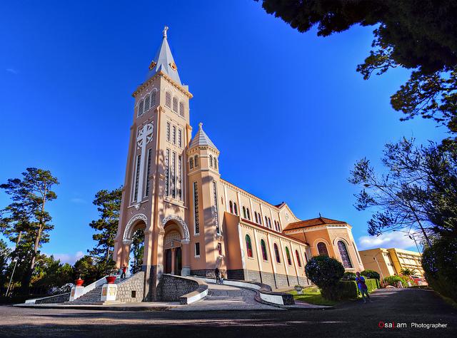 Nhà thờ Chính tòa Đà Lạt_Ảnh Osalam