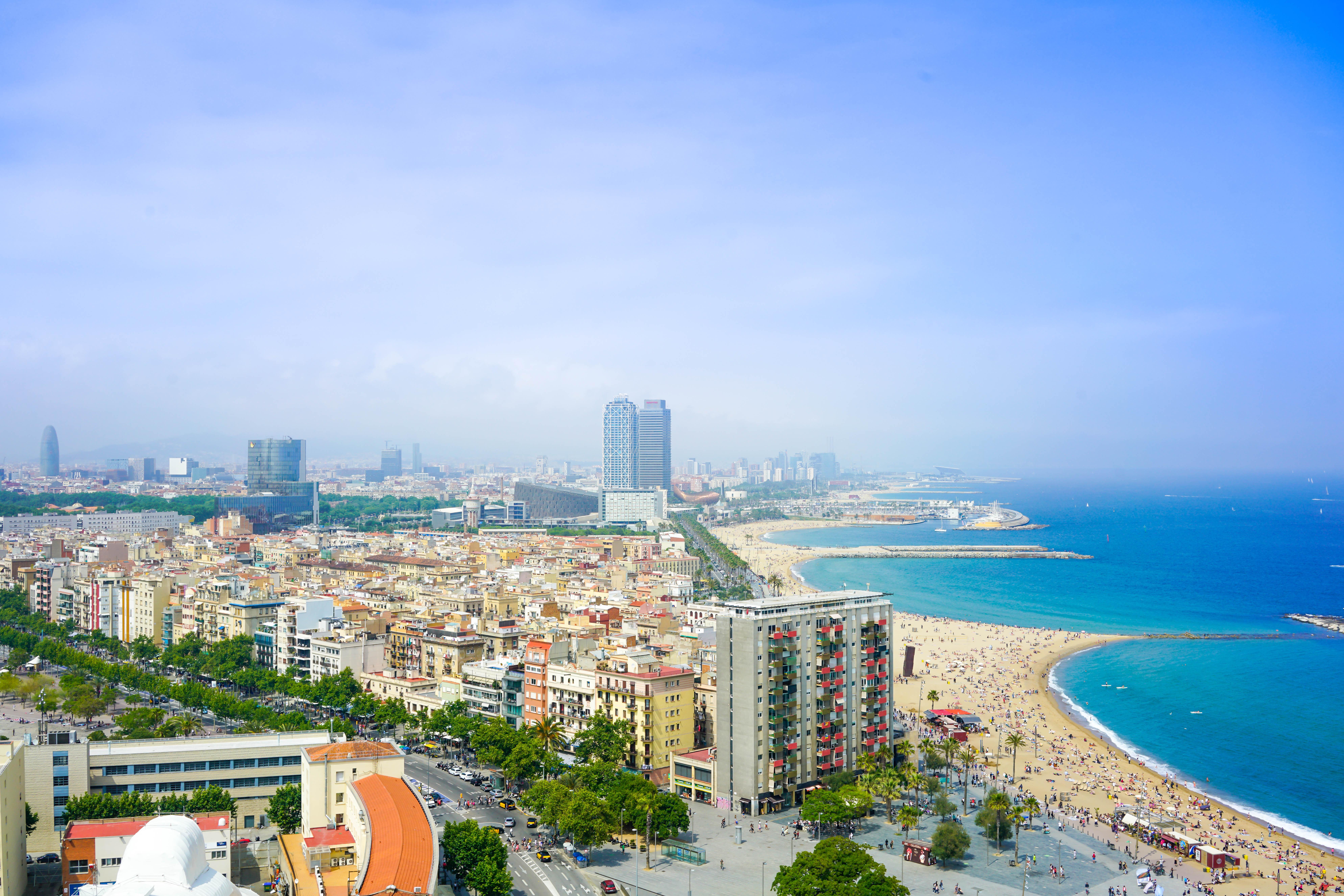bãi biển Barcelona (2)